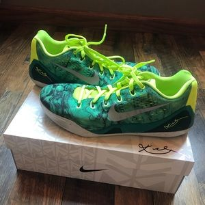 Kobe 9 Easter low size 13